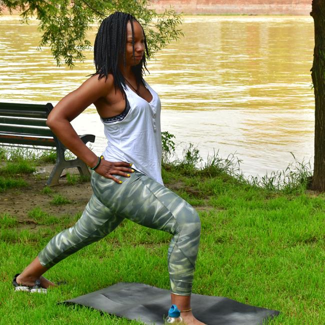 Yoga10 - Bleue Rachel