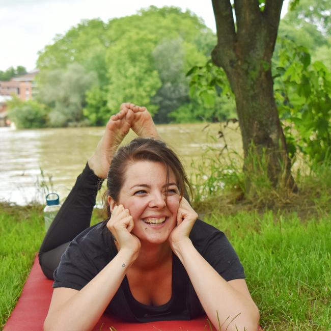 Yoga9 - Bleue Rachel